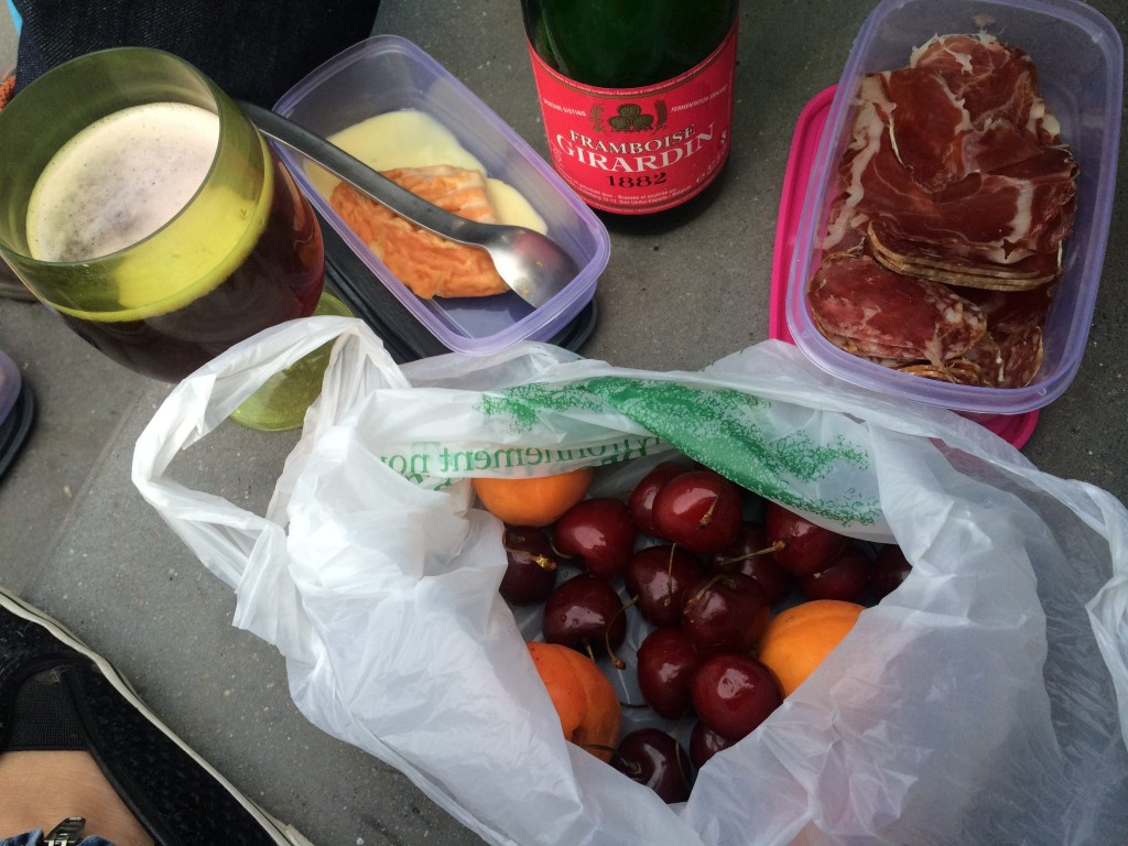 picnic with girardin framboise
