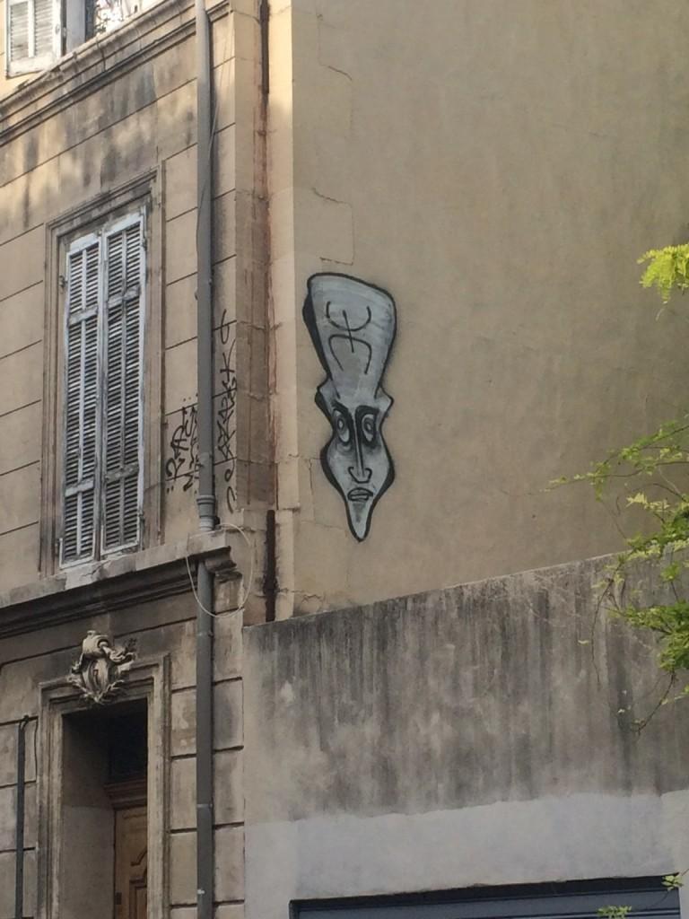 crazy head marseille street art