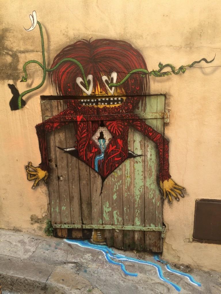 red monster graffiti marseille