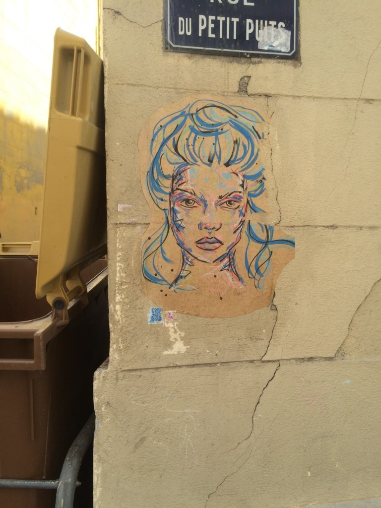 woman head graffiti marseille